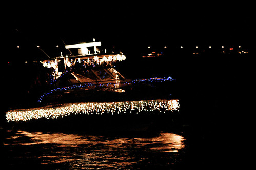 boat christmas parade 29