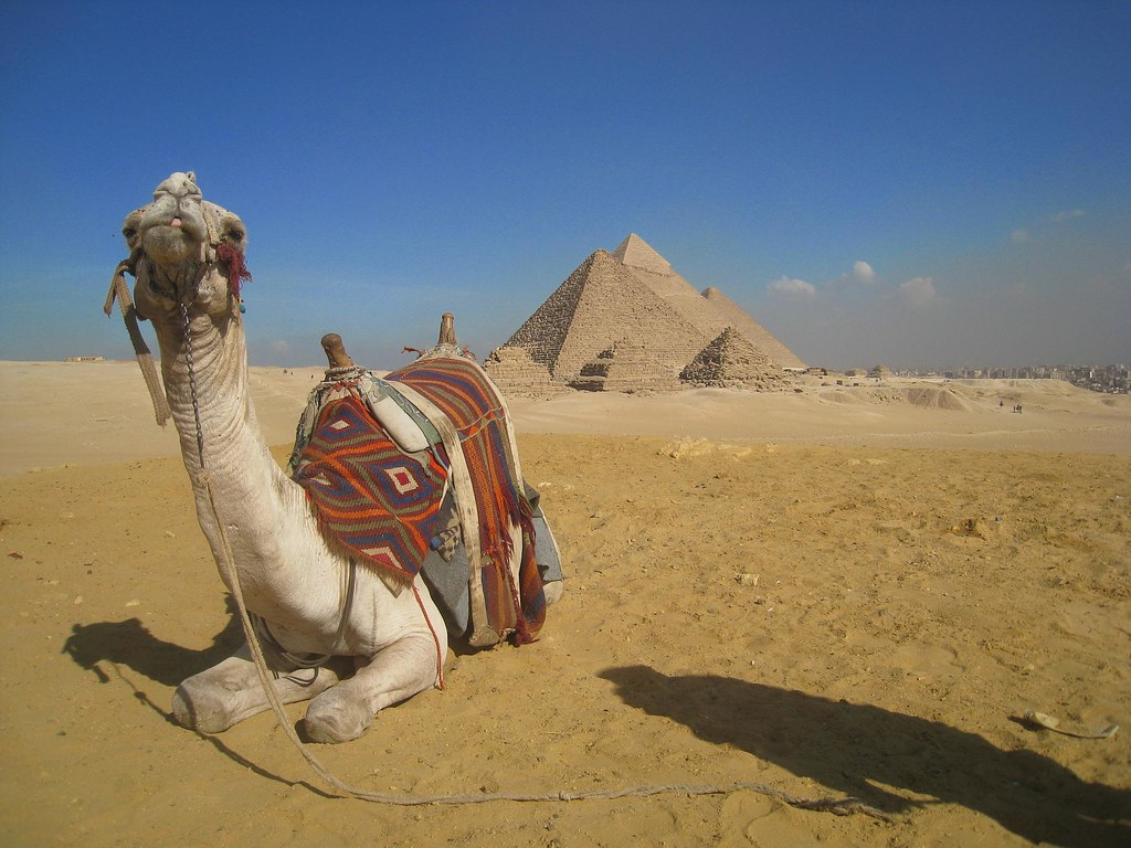 photo essay pyramids temples of go backpacking exploring the great pyramids of giza by camel