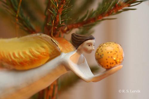 4/365 - Christmas ornaments
