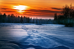 TGIF! (Akfirebug) Tags: winter sunset alaska sunrise ak fairbanks akfirebug falcetta lookswarm fatchancetothat takenat40below arizonameetsalaska pleasetellmethelower48ersarekiddingwhentheysay20aboveisfrigid