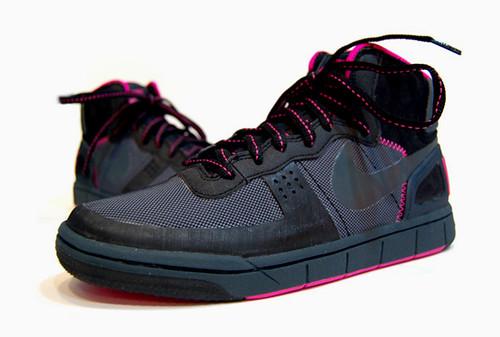 nike-acg-terminator-hybrid-black-pink-2 by you.
