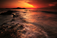 IMG_1501 (Uggla) Tags: longexposure sunset sea seascape 20d nature water canon landscape sigma foundation greece filter lee 1020 hitech naxos holder uggla torkel sigma1020 ndgrad torkeluggla hoyamoosepolarizer leefoundationholder
