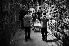 les coliers de Passy | the schoolboys of Passy | Paris, France (David Giral | davidgiralphoto.com) Tags: paris france kids children passage passy schoolboys