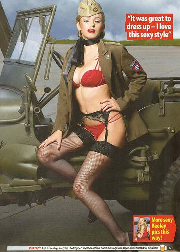 Keeley Hazell pin up pour Zoo