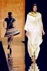 Proudly designed by the girls of Sheikh Zayed Pvt Academy (Abdullateef Al Marzouqi) Tags: show fashion uae zayed abudhabi academy 2008 sheikh pvt abigfave laati