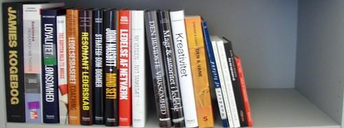 Bogreolen med ulæste bøger den 26. april 2008