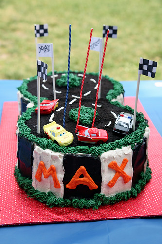 Max and Stella's racetrack cake