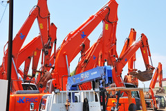 Excavators Hold against Hot Sun (ykanazawa1999) Tags: japan power shovel kanagawa kawasaki excavator ukishima