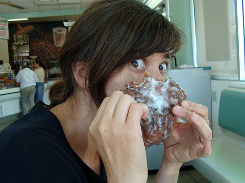 hiding behind her apple fritter