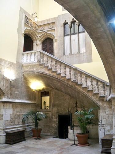 Stairs-Generalitat