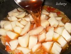 Pulpo mugardesa-patatas y agua