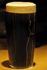 The glass of Guinness (jmvnoos in Paris) Tags: brown paris france beer glass bar nikon bars counter beers lounge guinness foam marron col brune brun bire mousse verre bires counters d300 lounges comptoir comptoirs jmvnoos