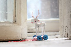 white deer white winter (oso_polar) Tags: christmas pink snow window toy doll handmade buttons blueeyes deer kawaii albino present iloveyou lonely ladoll bluewheels iloveyousomuchandyoudontevenknow