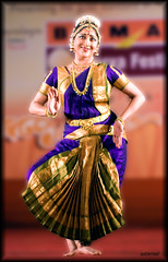 A Bharatanatyam evening with Lakshmi Gopalaswamy (saternal) Tags: dance lakshmi kerala classical surya palakkad bharatanatyam gopalaswamy aplusphoto lakshmigopalaswamy saternal