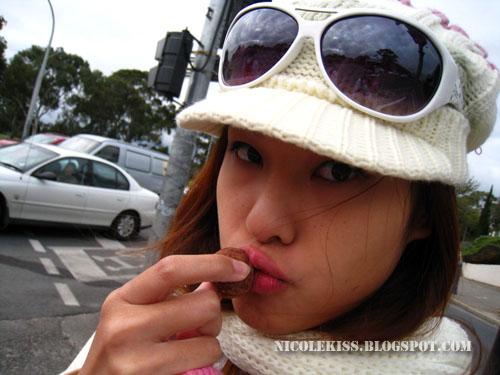 kissing chocolate