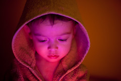 Little red riding hood (Cℓea tecℓea) Tags: light boy portrait teo hood 20months capucha familygetty2010