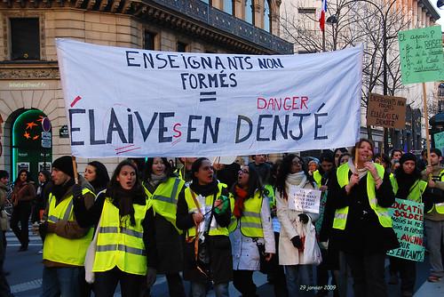 Paris Manif anti sarko DSC_9044-web par BELHASSEN Gérard dit LEBEBEL