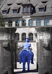 287/365 - my knight in shining armor is ... blue ([eyewitness]) Tags: blue sculpture nuremberg skulptur knight 365 blau nürnberg