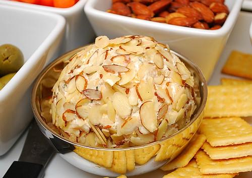 Cheddar Ranch Cheese Ball
