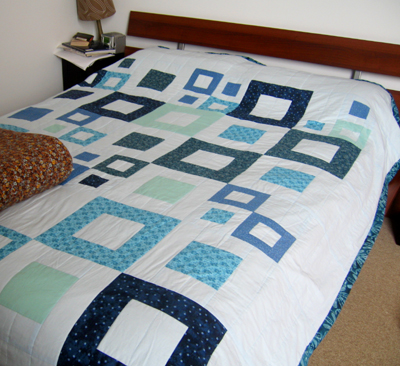 Blue squares quilt is done