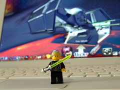Use the Flickr, Luke. (Mockney Rebel) Tags: starwars dof lego macbook