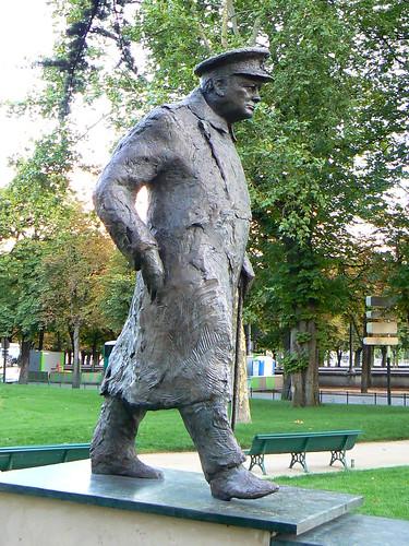 Winston Churchill, We shall never surrender