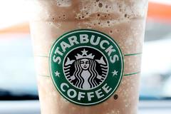 starbucks / frappuccino (wakeupalone) Tags: logo yummy drink starbucks mm chocolatecremefrappuccino