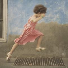 (jaime m) Tags: wall pared jump jumping holidays dress lanzarote canarias getty salto canary vacaciones vestido teguise mariola fivestarsgallery masterpiecesoflightanddark jaimemonfort