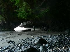 Mystic Beach Cave (umotamba) Tags: park camp rain vancouver forest river de island hoh juan trail national sitka olympic spruce altair fuca elwha