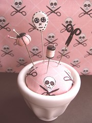 Scissors and Skulls (Pinks & Needles (used to be Gigi & Big Red)) Tags: pink thread skulls scissors handcrafted pincushion etsy gigiminor pinksandneedles pintoppers pinksneedles cssteam