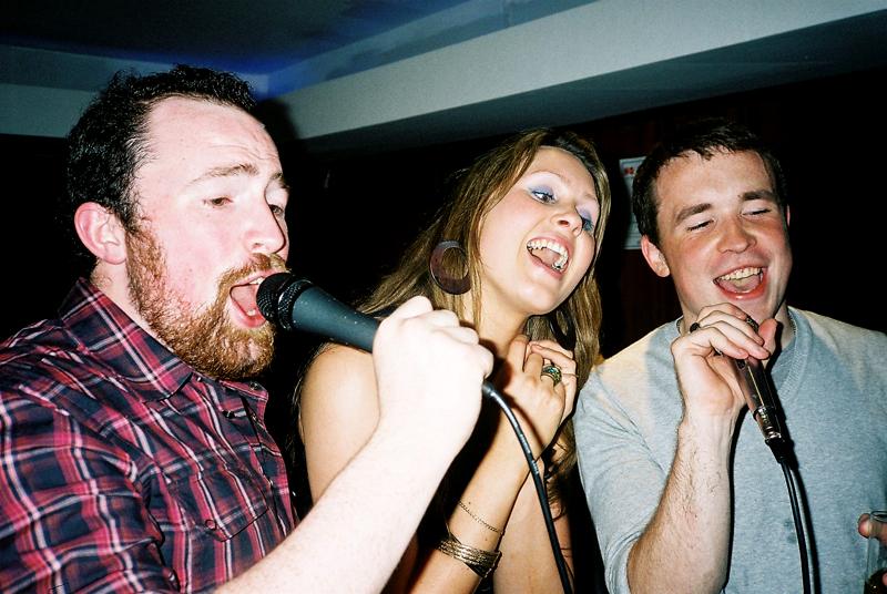 Melody karaoke bar, capel st