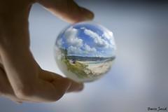 Magic Ball. (benitojuncal) Tags: world españa praia ball playa galicia areas cristal pontevedra rias bajas sanxenxo baixas spian sanjenjo diamondclassphotographer flickrdiamond olequebonito
