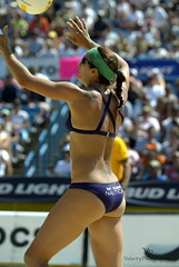 Misty May-Treanor AVP Crocs Open Mason Ohio 2007 (John Barrie Photography) Tags: ohio mason beijing oh olympics avp crocs goldmedalist harpo sandvolleyball masonohio kerriwalsh womensvolleyball mistymayteanor oparah oparahwhinfrey johnbarrie johnbarriephotography velocityphotography