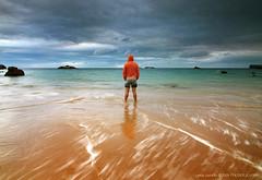 In my place (Selfportrait) (Csar Zarallo) Tags: sea espaa selfportrait seascape mar spain tokina1224 asturias paisaje autorretrato canoneos350d llanes bpp supershot cokinnd8 ostrellina csarzarallo playadesevalle