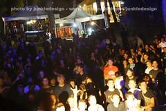 people @ GrapeJuice Fest 2008 Livorno (junkiedesign) Tags: festival rock juice villa toscana festa 2008 livorno grape officina traumatic pubblico strana corridi delluva junkiedesign