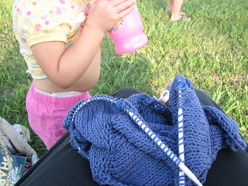 knitting + toddler belly