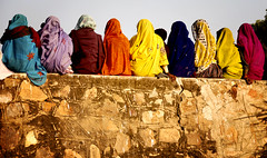Pushkar, women on the wall (susani2008) Tags: portrait colorful april09 pushkarcamelfestivalindia nationalgeographicglobaleyejan082009 nationalgeographictravelermagazine