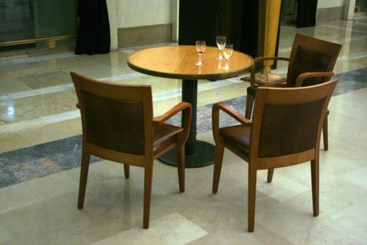 12_novembre_2008_table&chaises_9886