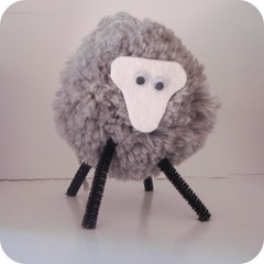 sheep pompom tutorial