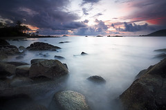 Montravel bolro (Erick Loitiere) Tags: sea beach clouds sunrise rocks stones erick nuages plage rocher guyane frenchguiana canonef1740mmf4l guyanefranaise montjoly singhray mywinners slrcanon montravel loitiere explore1thankyou