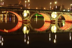 )-  )-  ) (Philip Schade) Tags: camera bridge light red holiday france colour reflection water lamp canon photography mirror licht vakantie december fotografie spiegel frankrijk brug toulouse rood xsi kleur reflectie rpubliquefranaise philipschade enlightedbridge