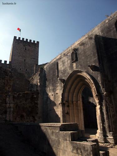 Entrada da igreja da Santa Maria da Pena