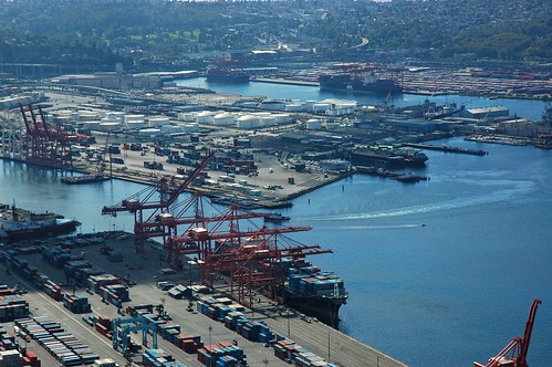 Port of Seattle, loading cranes, Puget Sound, with storage facilities, boats, Washington state, USA
