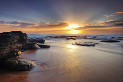 Sunrise Gift (Tim Donnelly (TimboDon)) Tags: ocean sea sunrise australia nsw cokin bungan abigfave impressedbeauty vosplusbellesphotos