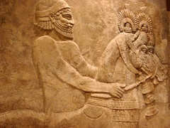Throne room relief carving (StGrundy) Tags: sculpture usa chicago stone illinois iran sony iraq relief universityofchicago orientalinstitute mesopotamia assyrian throneroom khorsabad dsch2 dursharrukin kingsargonii