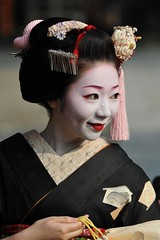 At the kyoto Setsubun festival (Derekwin) Tags: japan japanese nikon kyoto maiko geisha setsubun kikuyu d700 nikond700
