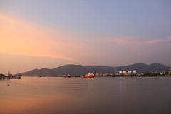 Han River Sunset (pinnee.) Tags: traveling danang centralvietnam mintrung april2010