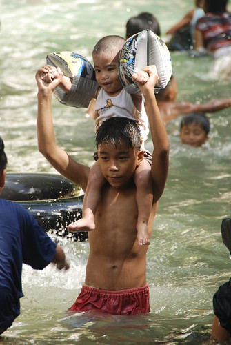 batlag water falls philippines children tanay rizal playing