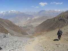 On the way down from Thorong-La