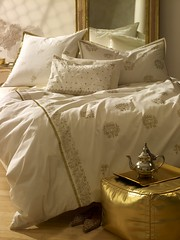 GOLD_PATTERN_BED_031